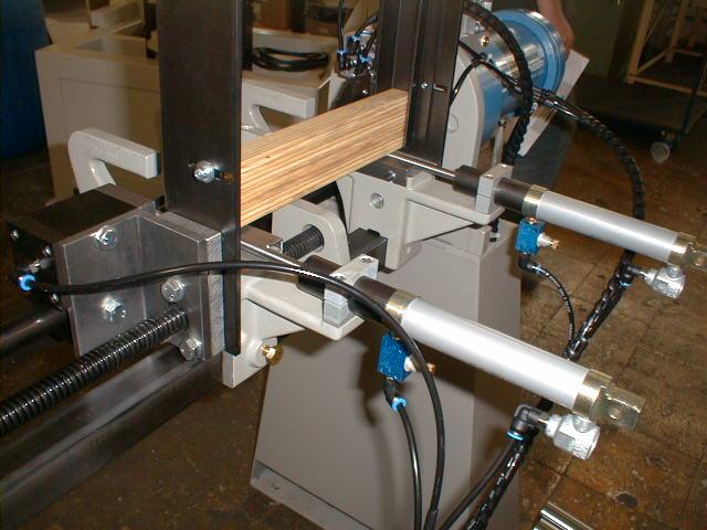 hoffmann-ag-3-automated-slat-chamfering-machine-detail2.jpg