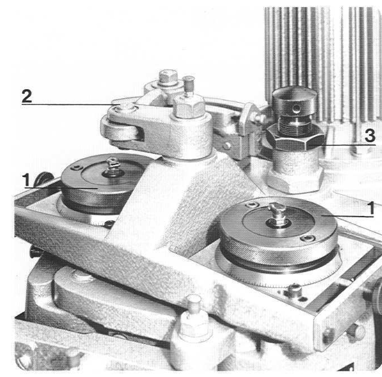 hoffmann-jfa-57-louver-grooving-machine-old-style-details3.jpg