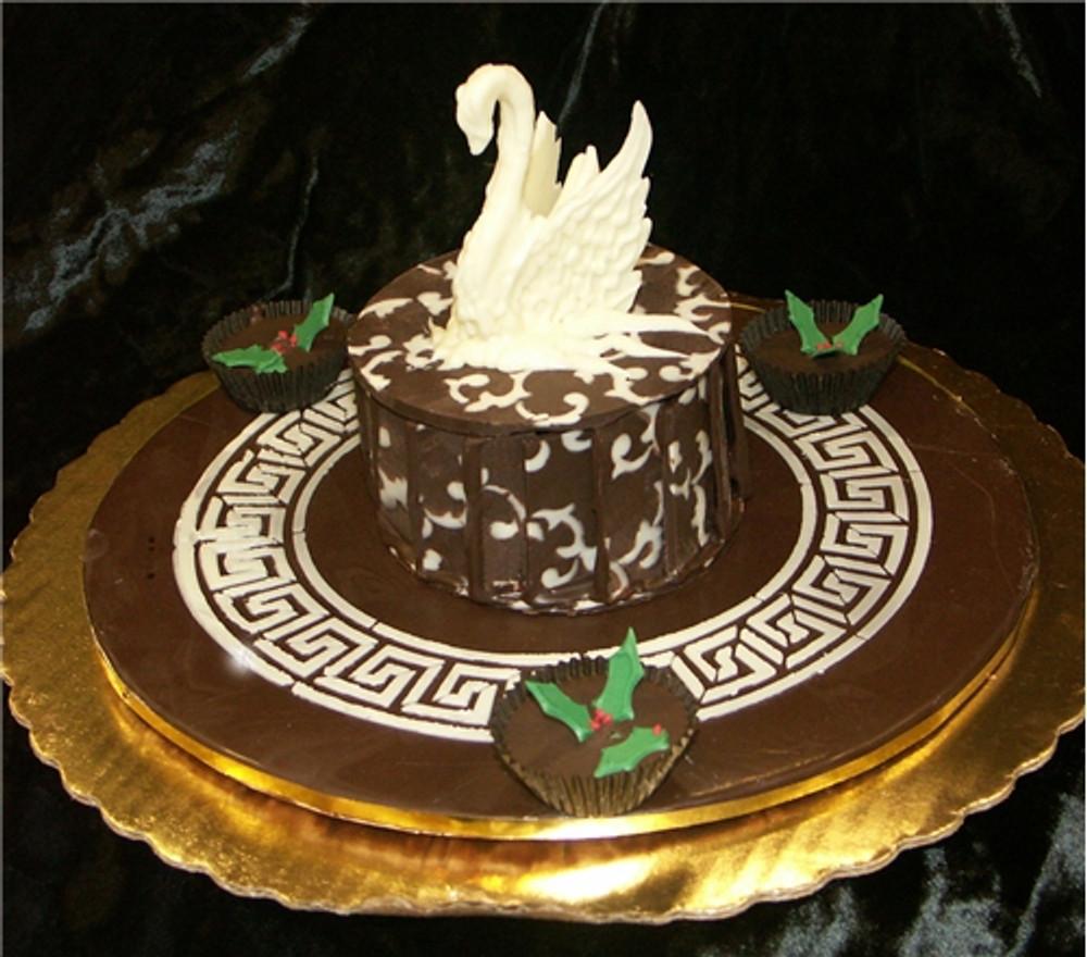 Greek Key Circle Cake Top