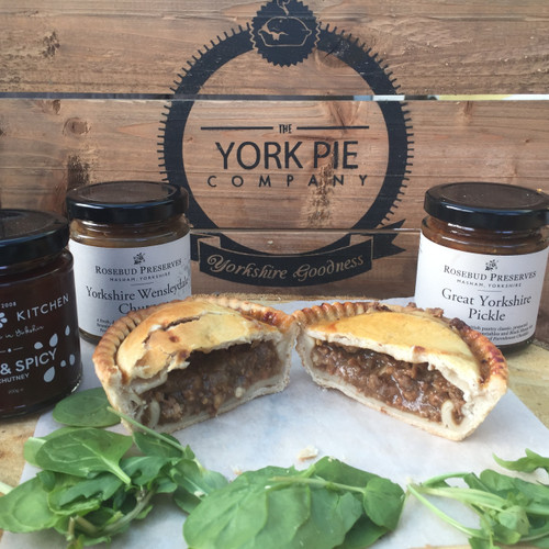 minced-british-beef-onion-pea-pie-york-artisan-handmade-yorkshire-quality