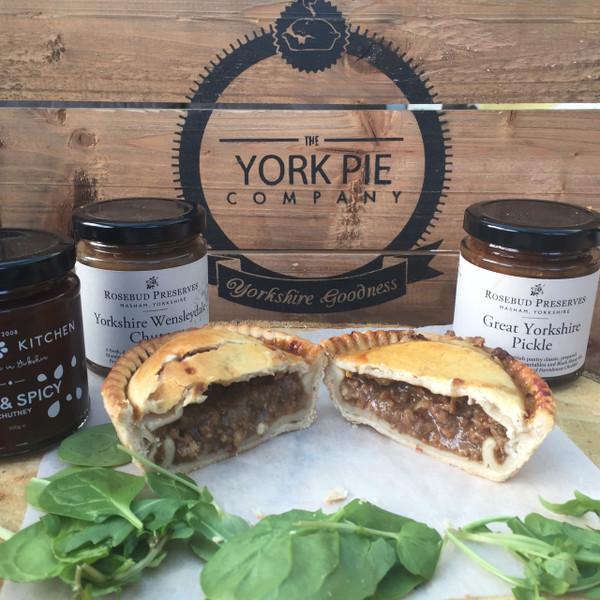 minced-british-beef-onion-pea-pie-york-artisan-handmade-yorkshire-quality