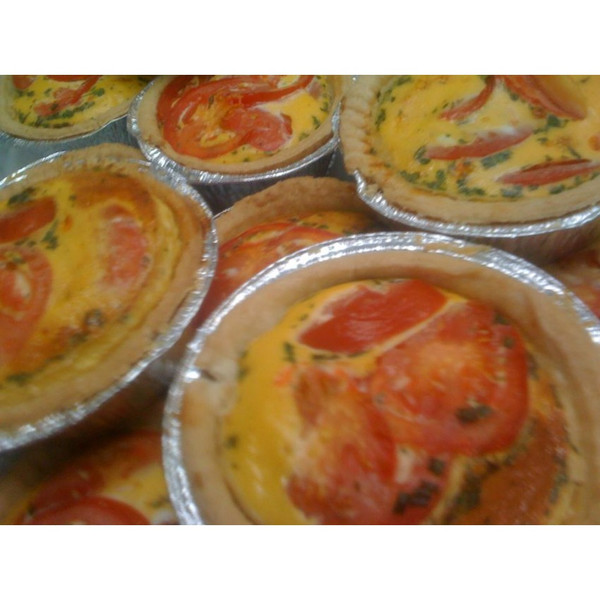 Large Egg and Ham and Tomato Quiche