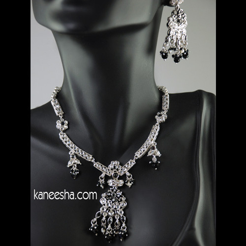 Silver Necklace in Polki & Black Beads - 25% price reduction