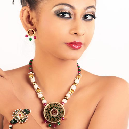 Admirable Multicolored Necklace Set