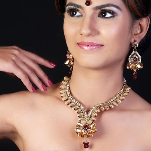 Appealing Wedding Antique Necklace Set With Mangteeka