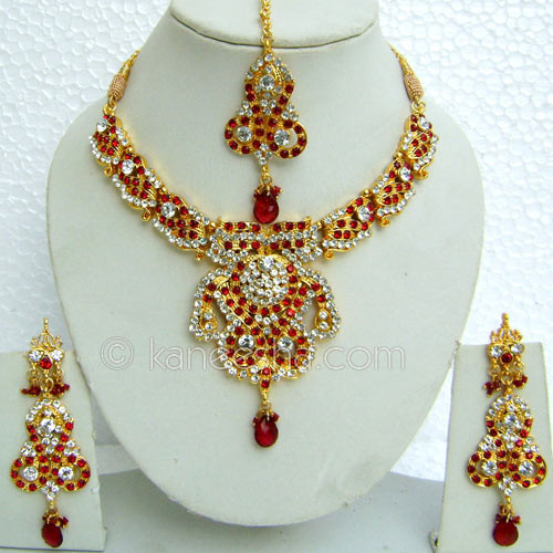 Red AD Necklace Set