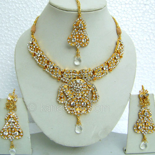 White Gold Plated Necklace Set