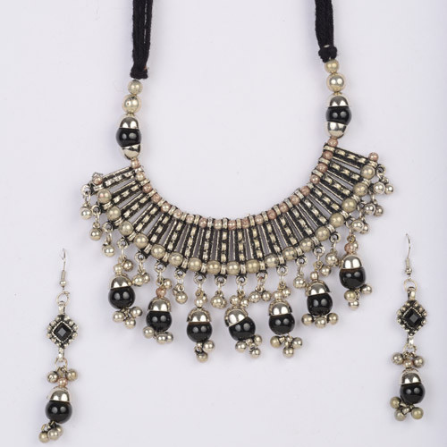 Stylish Oxidize Black Beads Necklace Set