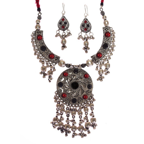 Impeccable Silver Necklace Set with Red and Black Beads