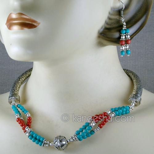 Magnificent Silver Necklace Set with Matching Earrings