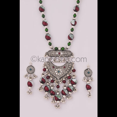 Pleasing Oxidized Silver Necklace Set