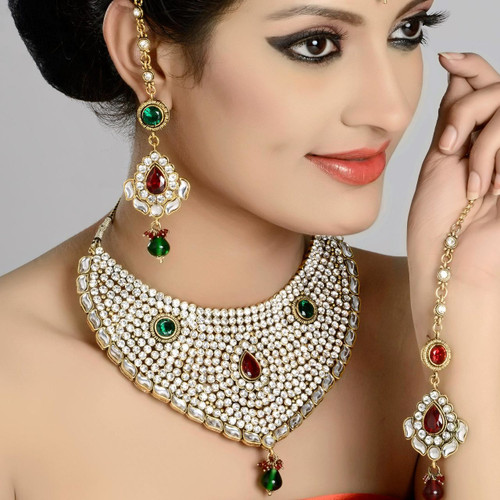 Indian Bridal Jewelry Necklace Studded in Zircon Diamond