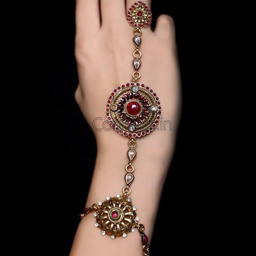 Stunning Design Embossed Finger Ring Bracelet