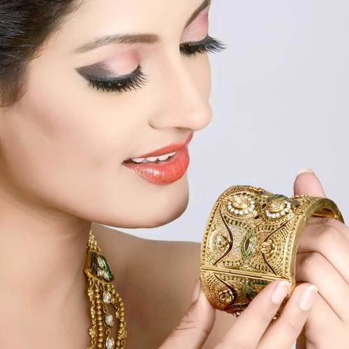 Gold Plated Queen Bracelet