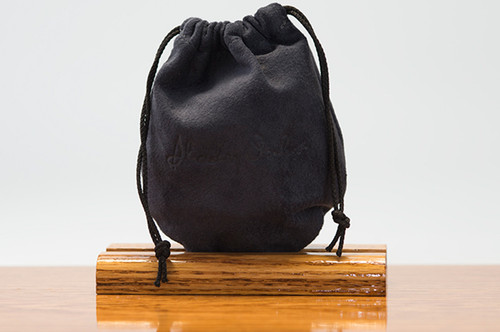 Medium Pouch Navy Pig Suede