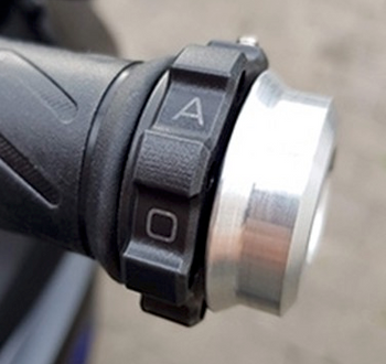 Kaoko Throttle Stabilizer For The Yamaha MT-07 '18- (w/o hand guards or heated grips)