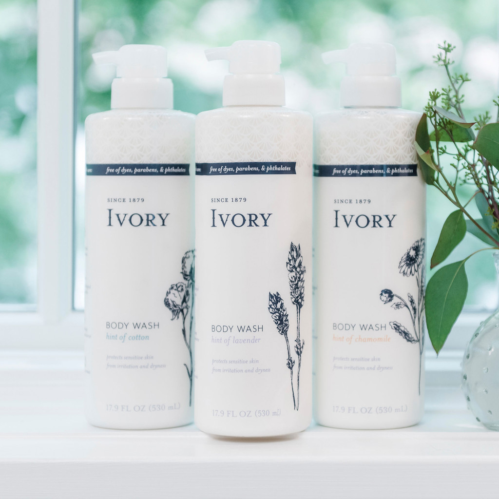 Ivory Moisturizing Body Wash, Hint of Cotton Scent