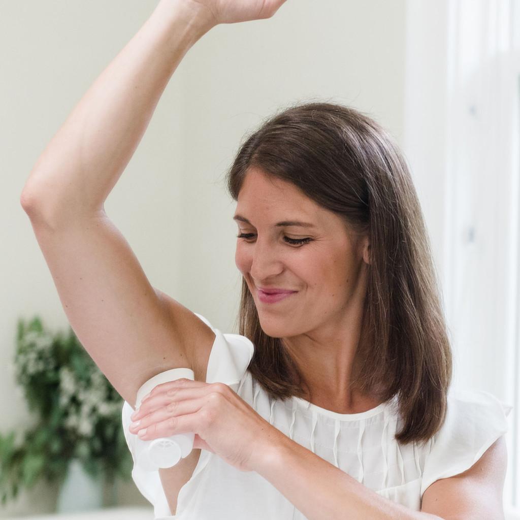 Ivory Gentle Deodorant, Hint of Aloe Scent
