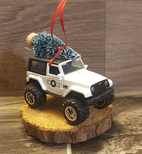 Jeep Wrangler JK U.S.A.F. Ornament with Tree