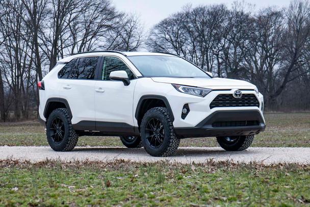 2.5in Toyota Suspension Lift Kit 2019 RAV4)