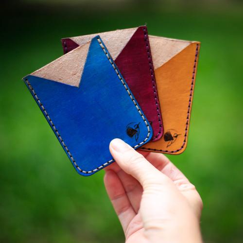 Single pocket card holder