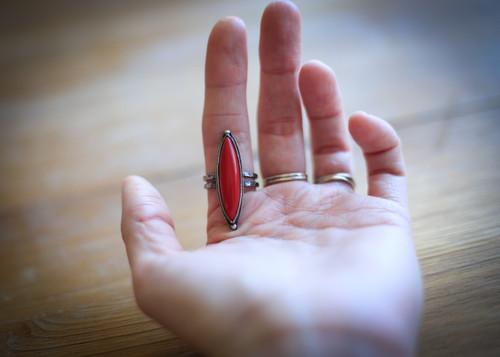 Rosarita double point talon ring
