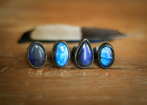 Labradorite ring with feather band