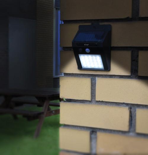 Lyyt LED 20 LED Solar IP44 Security Light Daylight Image 1