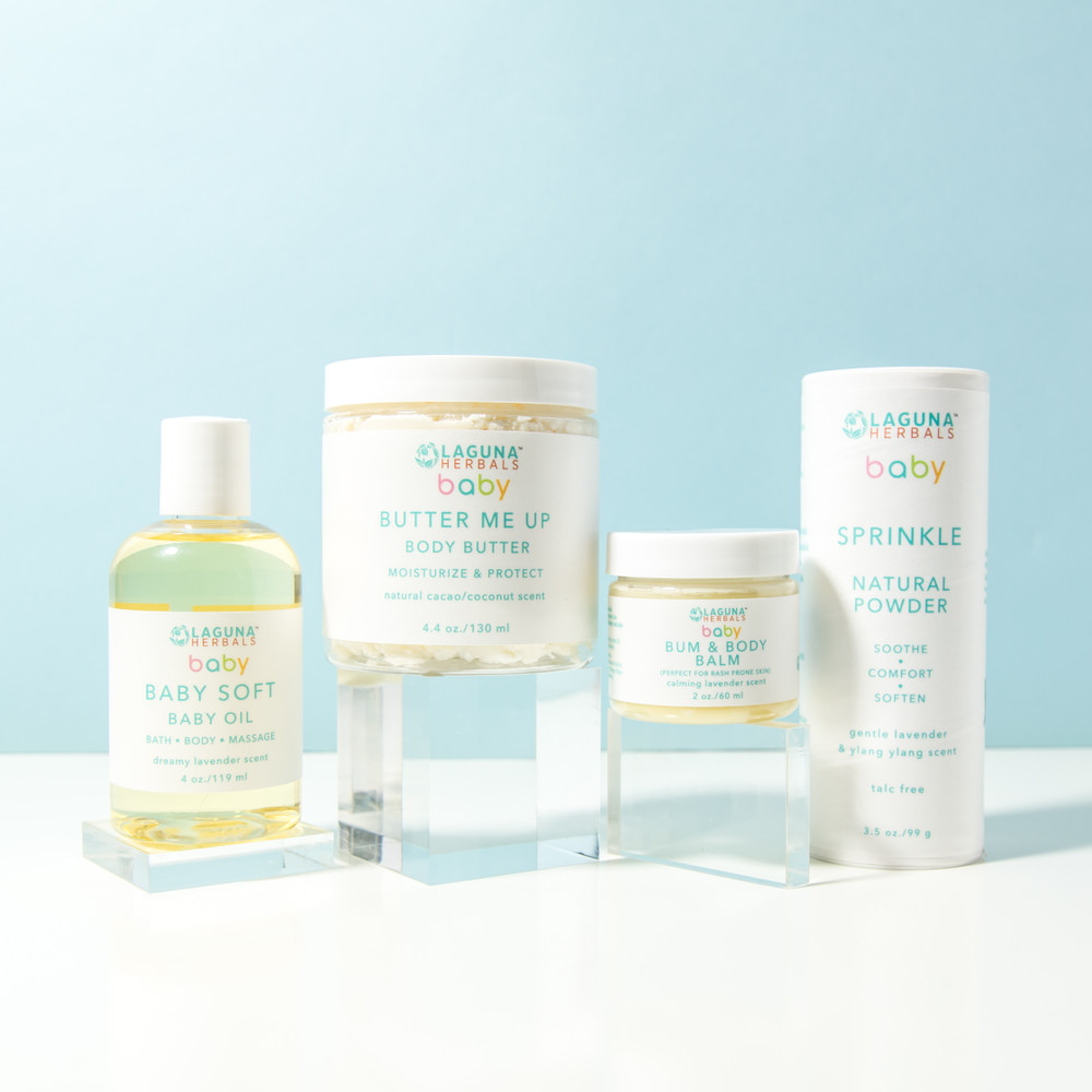 The perfect baby shower gift for that new momma.   This  Baby gift set includes organic body butter, baby oil, talc free powder and butter me up baby butter.