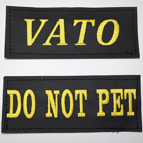 Harness name tags in bold italics (top) and bold normal (bottom).