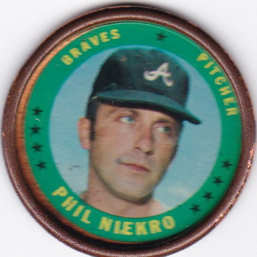1971 Topps Coin #37 Phil Niekro -- Braves
