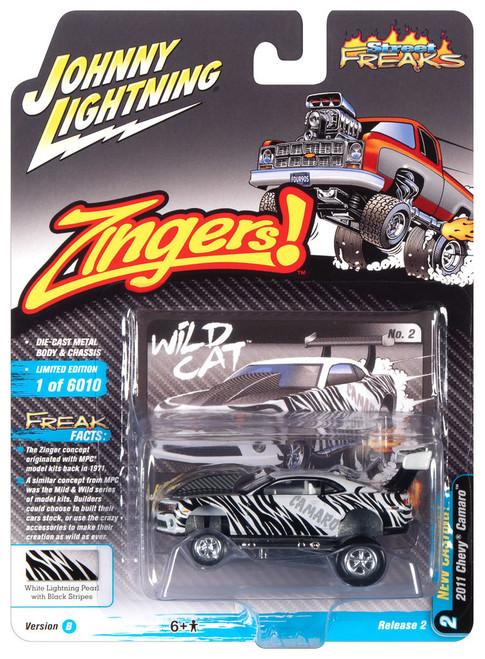 Johnny Lightning 1:64 Street Freaks Ver B 2011 Chevy Camaro Pearl w Stripes