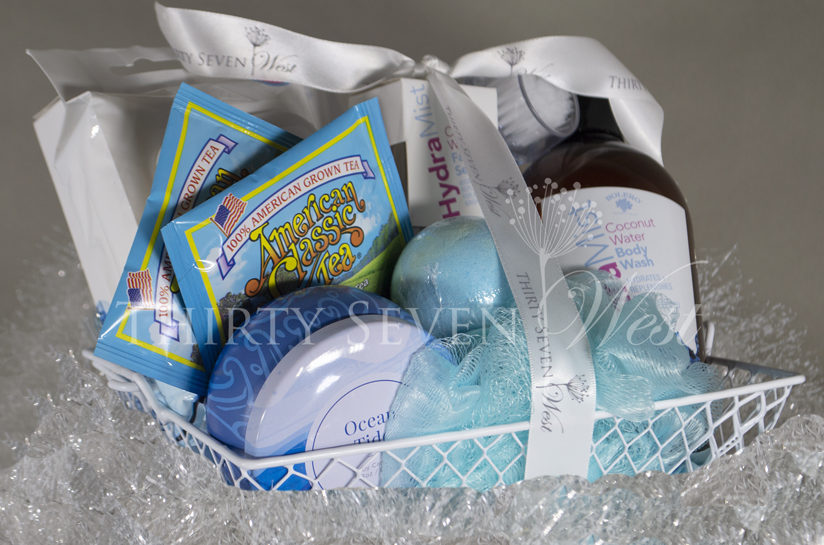 Gift Baskets for Corporate Events with Custom Logo Ribbon, Logo Ribbon on gift baskets, Gifts on Baskets with Ribbon Printed, Personalized Ribbon on Basket for your events