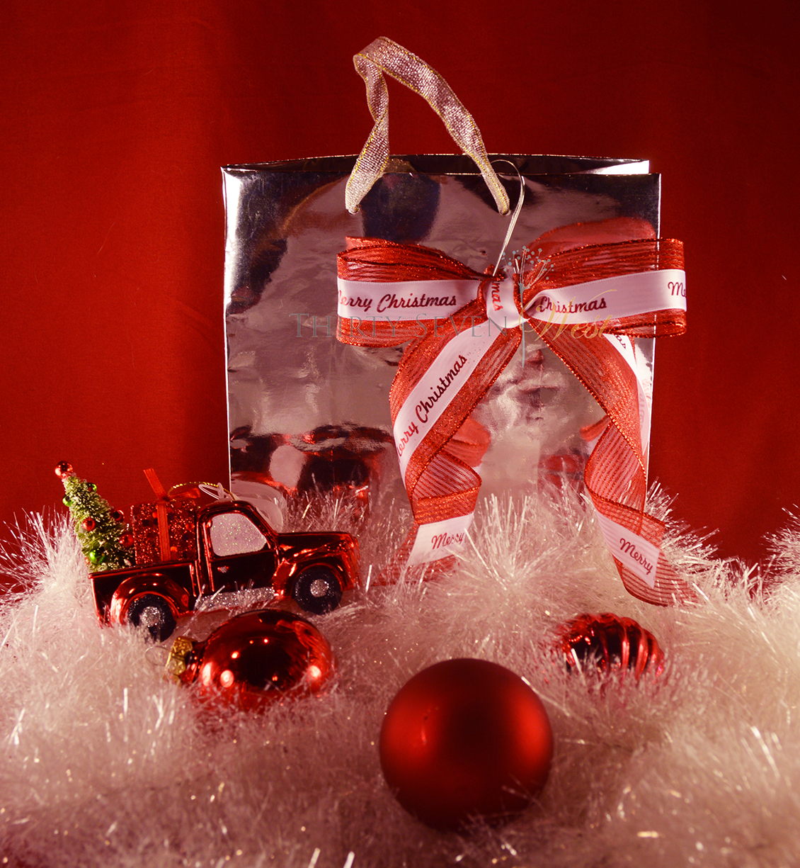 For a truckload of gifts or just a few, make a really warm and lasting impression with your brand on customized ribbon