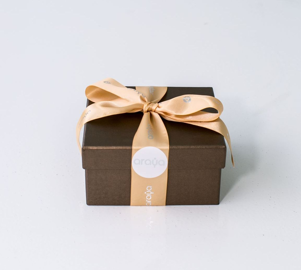 9 Macaron Gift Box -  Available in Red & Bronze