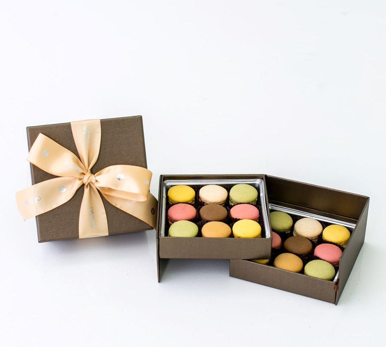 18  Macaron Gift Box