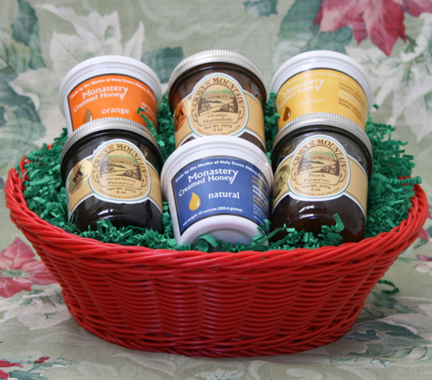 HONEY AND PRESERVE LOVER'S BASKET FOR THE HOLIDAYS