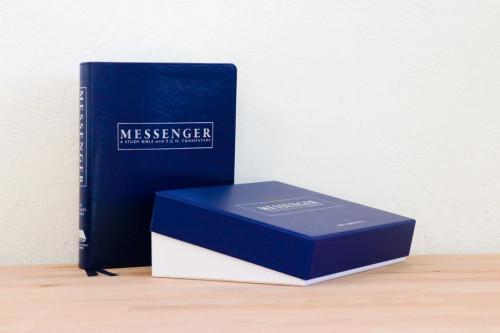 NKJV Messenger Study Bible - Blue