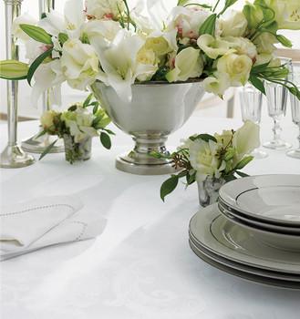 Sferra Acanthus Oblong Tablecloth