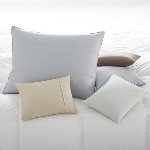 Scandia Home Deluxe Hotel Pillow Down Travel Case