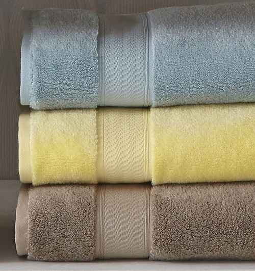 Sferra Amira Fingertip Towel