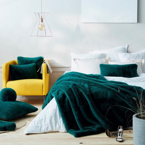Evelyne Prelonge Cushion
