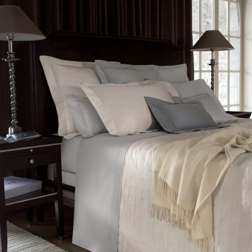 Yves Delorme Triomphe Quilted Coverlet