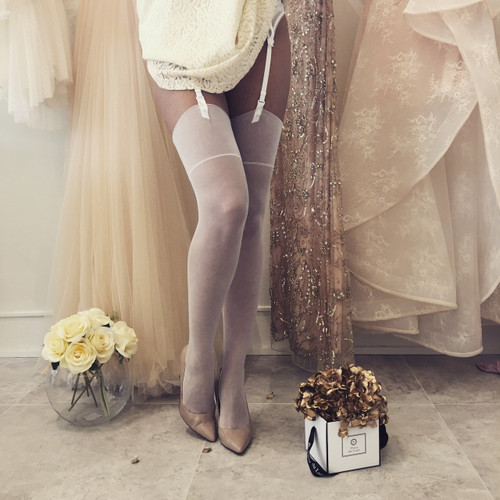 CHERRY517 MARILYN bridal stockings with suspenders set in white