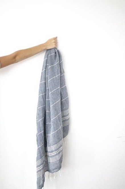 Saint Tropez,  Two tones oversized soft Scarf in cotton & linen blend. Navy Blue.