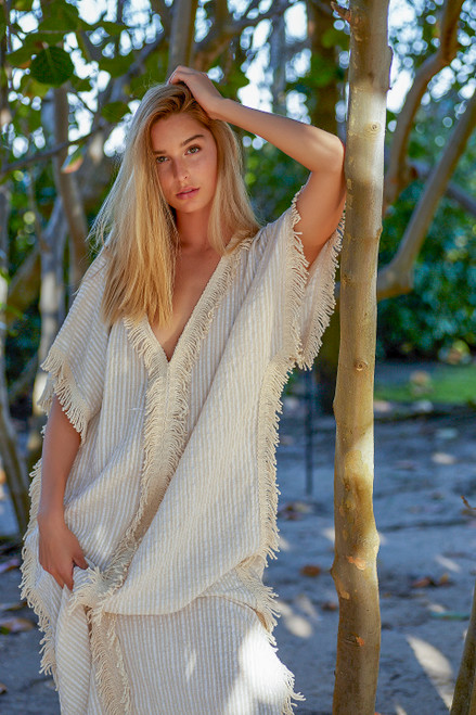 Kaftan with a hand loomed fringe
