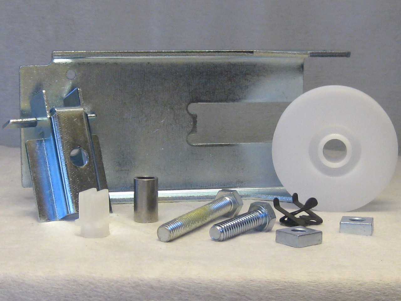 PULLEY SUPPORT ASSEMBLY - CHAIN