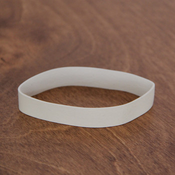 Small off white band for check presenters.