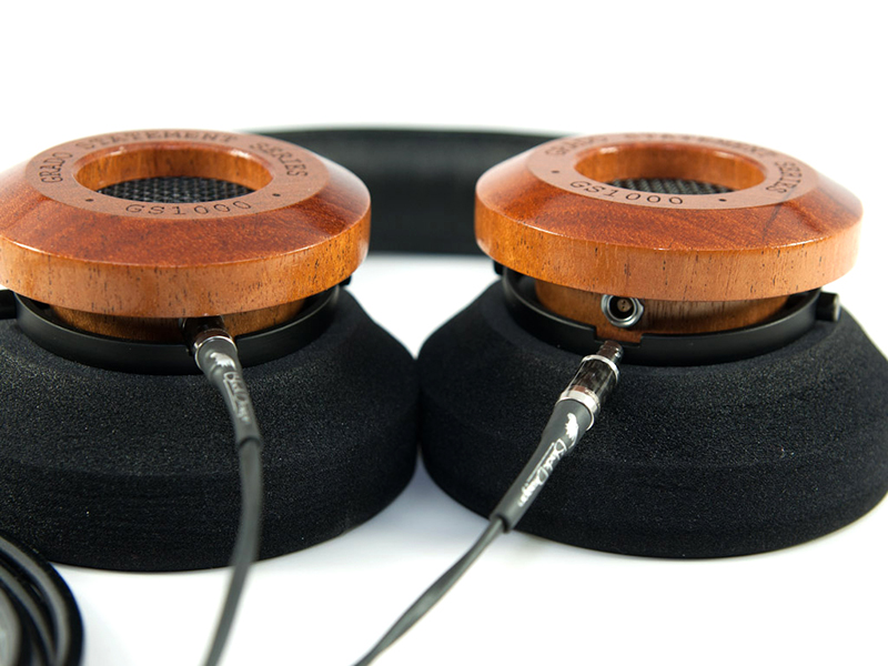 Black Dragon Cable with Grado GS1000e headphones