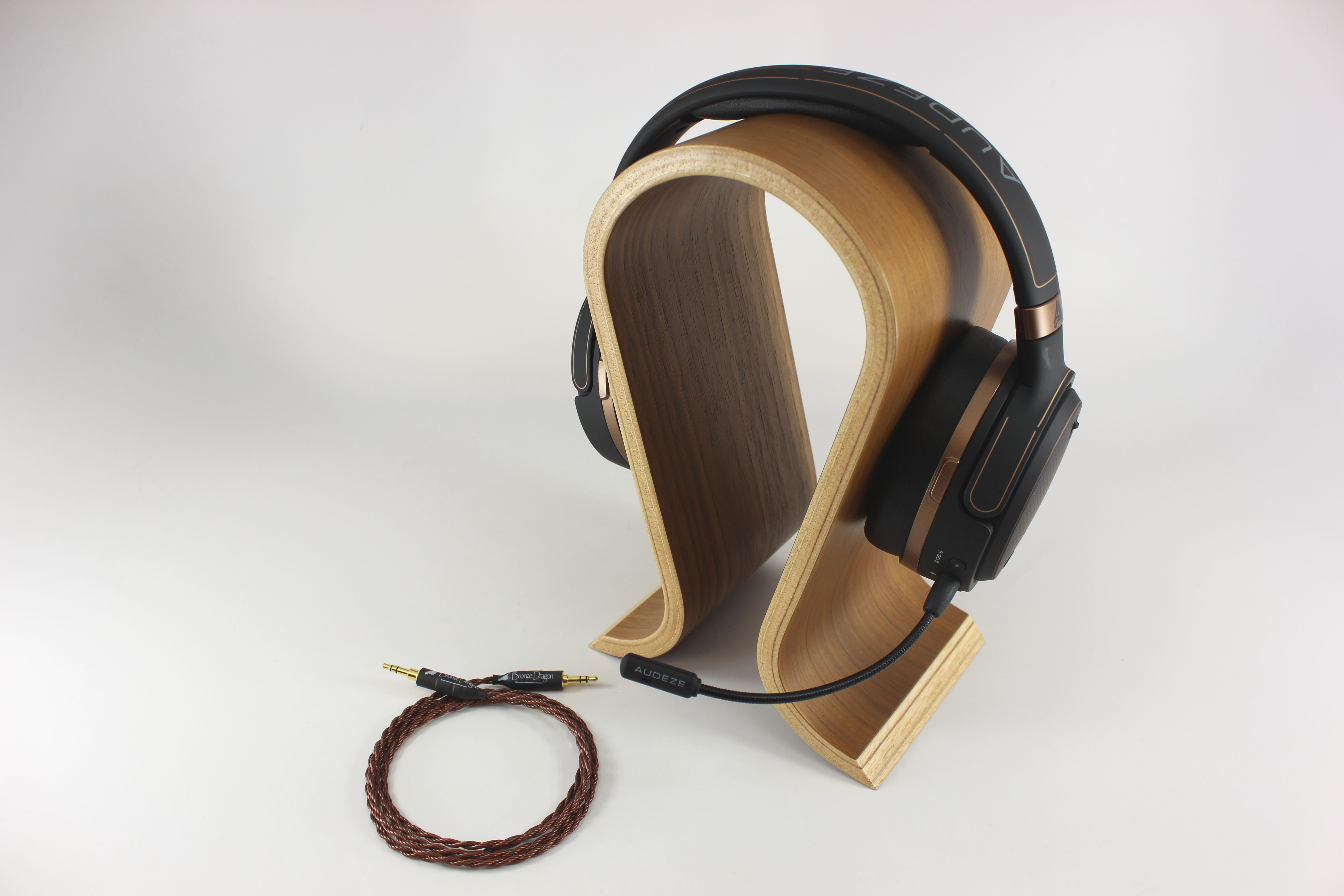 Audeze Mobius and Bronze Dragon cable